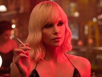 Рецензия на «Взрывную блондинку» с Шарлиз Терон