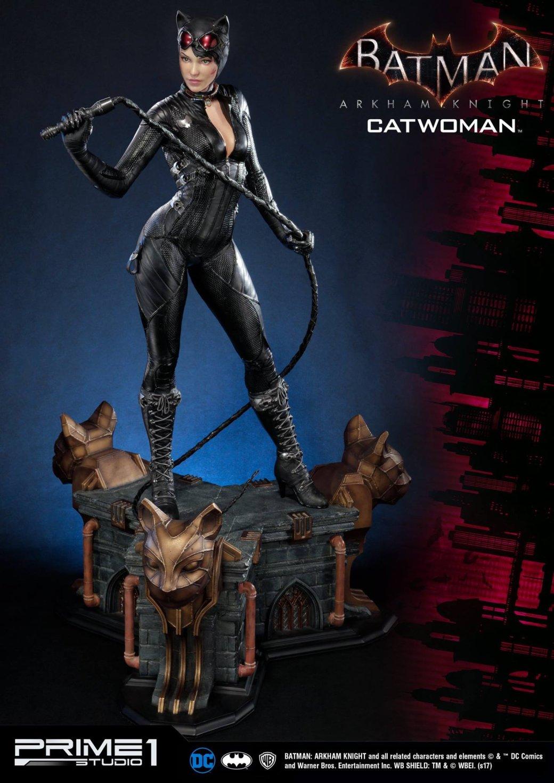Статуя женщины, которой удалось покорить сердце Бэтмена. - Изображение 2