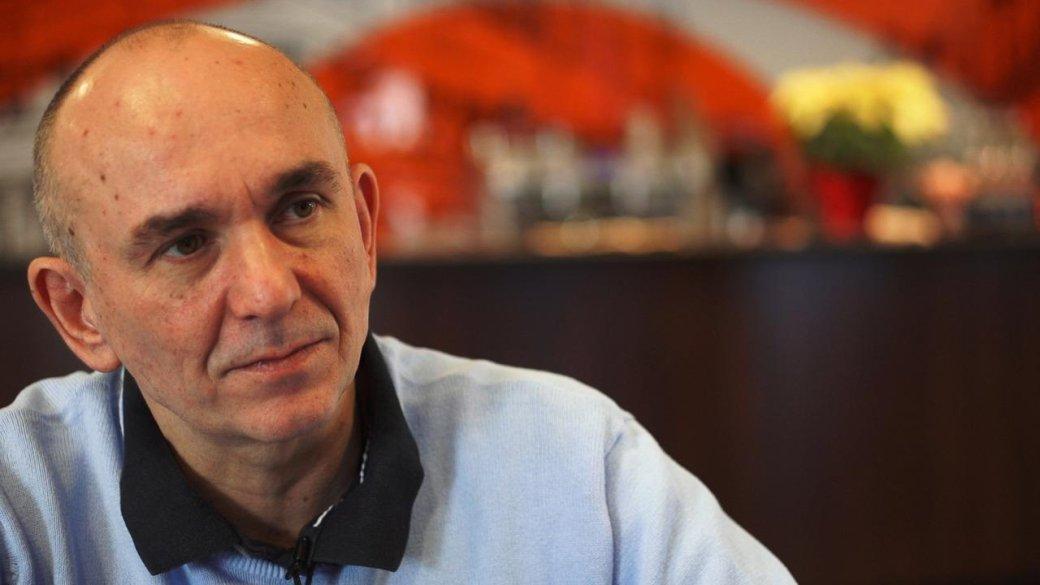 Питер Мулинье раздумывал о пенсии, но продолжил играть в бога - Изображение 1