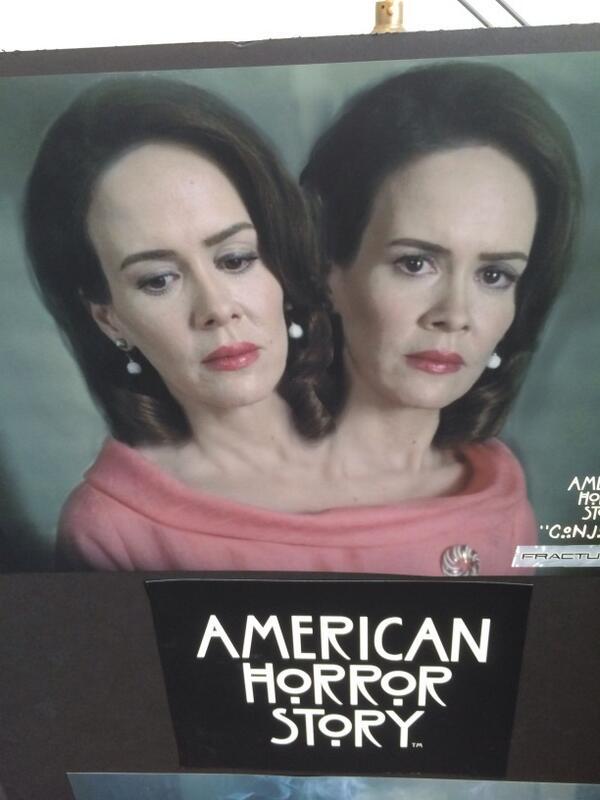 Сара Полсон сыграет сиамских близнецов в новой American Horror Story - Изображение 2