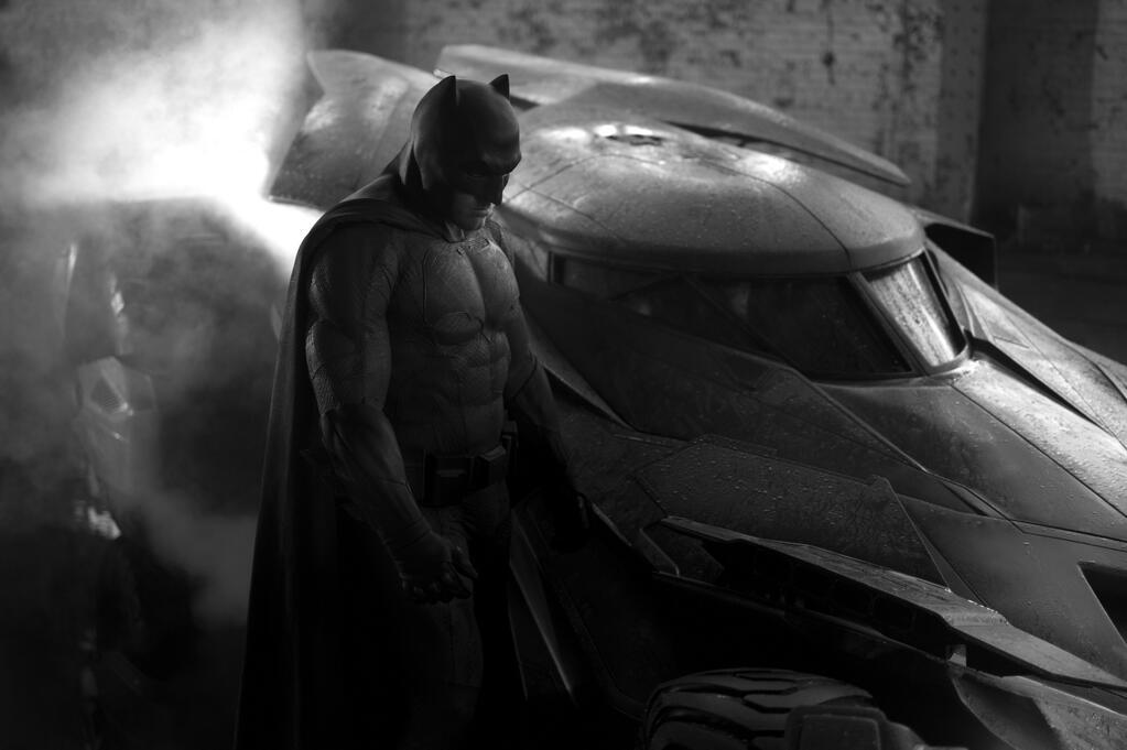 Бена Аффлека поймали на фото в костюме Бэтмена - Изображение 1