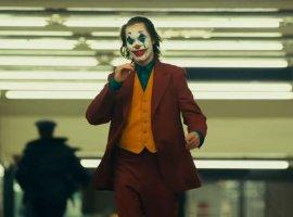 Больше рейтинга Rиспин-оффов— что ждет фильмы покомиксам DCвбудущем?