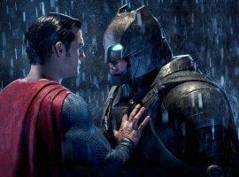 Зак Снайдер опубликовал новое фото Бэтмена изкошмара Темного рыцаря