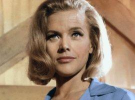Умерла «девушка Бонда» Онор Блэкман. Она играла в«Голдфингере»