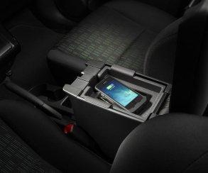 Беспроводную зарядку для новых iPhone уже встраивают вавтомобили. Кто поддержал Apple?