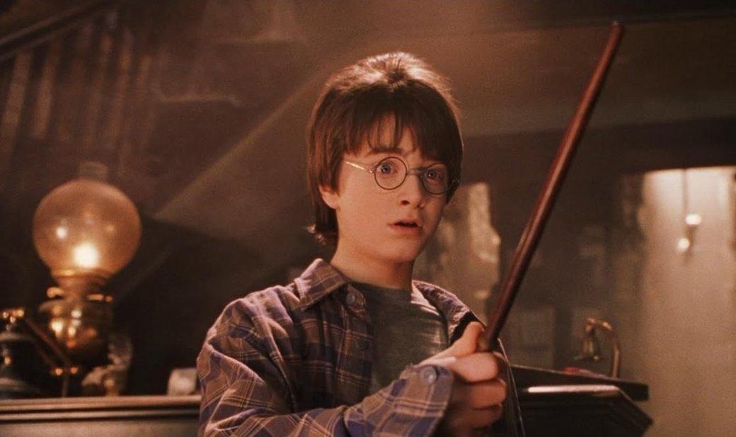 «Гарри Поттер»— тема всегда актуальная. Даже сейчас волшебный мир, придуманный Джоан Роулинг, остается увсех наслуху. Кроме того, «Гарри Поттер»— досих пор важная часть современной мировой культуры, испорить сэтим совершенно бесполезно. Вобщем, подумали мыирешили устроить масштабный игромарафон— перепройти все ключевые игры про юного волшебника. Изаодно вспомнить, насколько они были удачными инеочень.