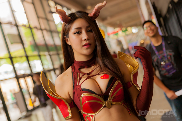 Лучший косплей по Dota 2 c The International - фото девушек в костюмах из Dota 2 | Канобу - Изображение 5