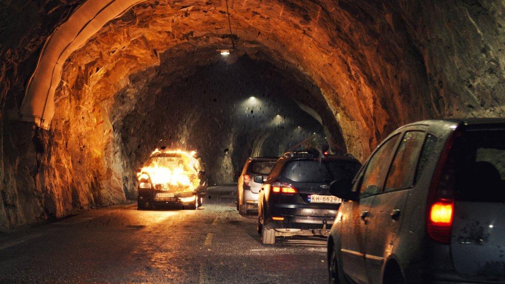 Рецензия на фильм-катастрофу «Туннель: Опасно для жизни». Вьюга фьорды пеплом кроет | Канобу - Изображение 2515