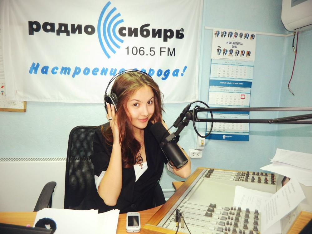 Киберспортивная ведущая, которая снялась для журнала MAXIM. - Изображение 6
