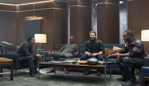 Фото сосъемок фильма «Мстители: Война Бесконечности»: много Кэпа, Старка иПаука. - Изображение 3