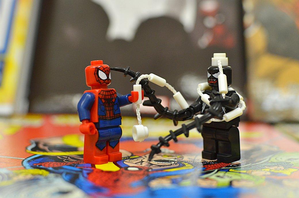 Топ-модель по-русски: «Канобу» устраивает фотосессию LEGO-супергероям | Канобу - Изображение 5548