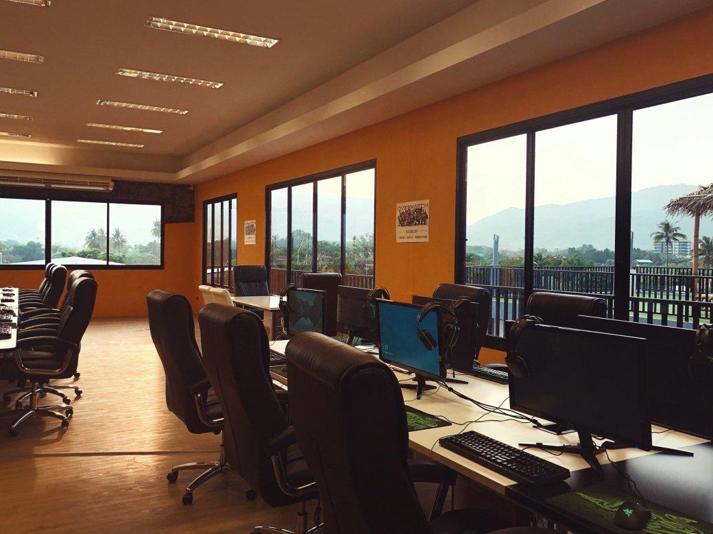 Как вдохнуть новую жизнь в компьютерные клубы? Создать отель для киберспортсменов! | Канобу - Изображение 1